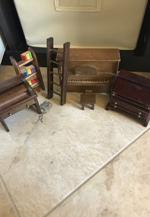 Antique dollhouse scale furniture 1:12 for Sale in Phoenix, AZ