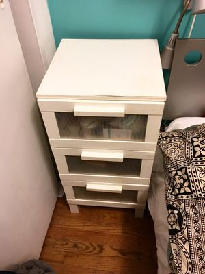 3-drawer Ikea nightstand for Sale in New York, NY
