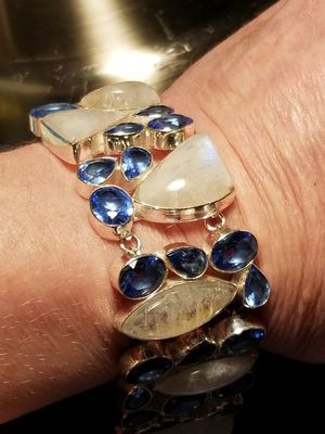 "Beutiful natural moonstone and natural blue topaz 925 solid silver braclet. 7"" to 8"". for Sale in Salt Lake City, UT"
