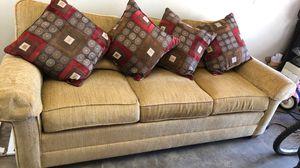Beautiful Ethan Allen couch for Sale in Phoenix, AZ