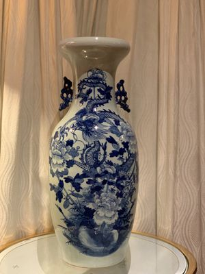 chinese vase blue and white,19 century,22.5 inches high for Sale in Huntington Beach, CA