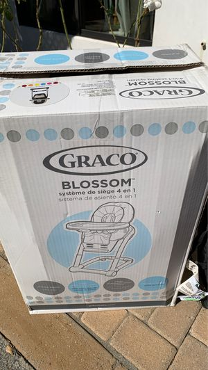 High chair for Sale in Glendale, CA
