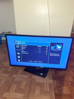"""Hisense 42"""" 1080p LED HDTV Hisense 42"""" 1080p LED HDTV, 3 HDMI, 1.5"""" Profile F42K20E for Sale in The Bronx, NY"""