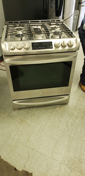 Samsung matching frig with ice maker and electric stove for Sale in Fairview Park, OH