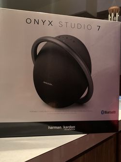 Harman Kardon Onyx Studio 7 Bluetooth Speaker for Sale in Chicago,  IL