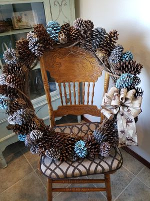 "32"" pinecone wreath large for Sale in Raymond, WA"