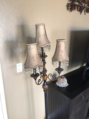 Floor lamp for Sale in Menifee, CA
