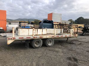 20' flatbed trailer with crane. Air brakes for Sale in Riverside, CA