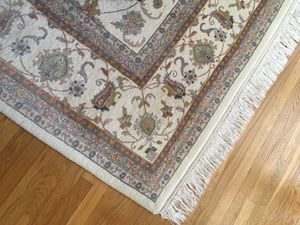 Hand knotted rug made in India. 10'x14' for Sale in Ashland, MA