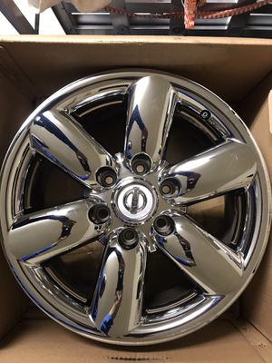 """2010 Nissan Armada SE """"Set Of 4"""" Factory Rims With Chrome Covers.... for Sale in Atascocita, TX"""