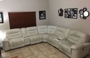 ELECTRIC SOFA RECLINER for Sale in Miami, FL