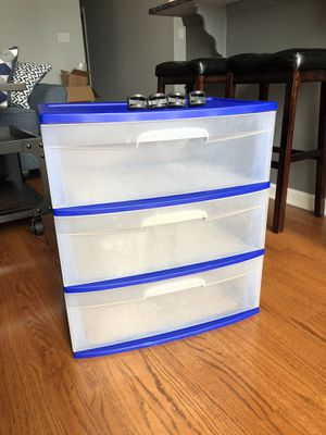 Plastic Storage Drawers w/wheels for Sale in Chicago, IL