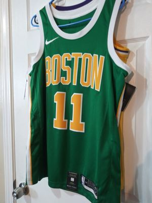 Kyrie Boston Celtics size M for Sale in Los Angeles, CA
