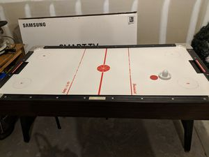 Black and White air hockey table for Sale in Midland, NC