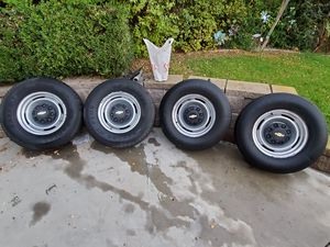 OEM Chevy GMC 8 Lug Steel Wheels with caps, 2500 & 3500 for Sale in Chino Hills, CA
