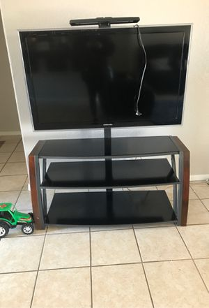 TV w/ TV Stand for Sale in Somerton, AZ