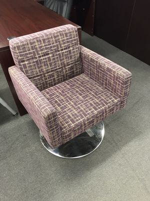 Side chair for Sale in Tampa, FL