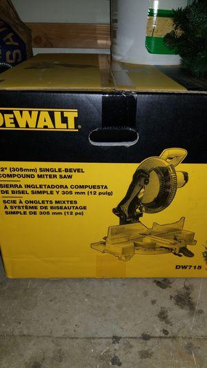 Dewalt DW715 - Single Bevel Compound Miter Saw for Sale in Sacramento, CA