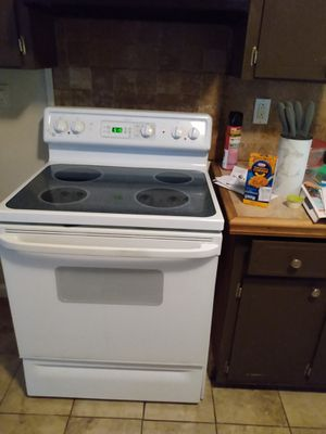 Self cleaning stove and refrigerator for Sale in Montgomery, AL