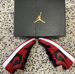 Air Jordan 1 Reverse Bred (size 8.5) for Sale in Charlotte, NC