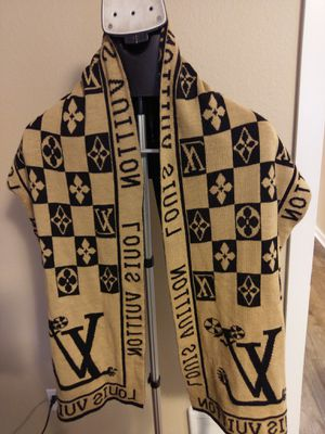 Louis Vuitton knitted scarf for Sale in Kirkland, WA