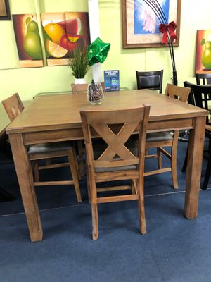 Counter hight Dinning set for Sale in Los Angeles, CA