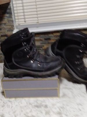 MENS BASS WATERPROOF BOOTS..GREAT FOR WORK..SIZE 11M for Sale in Deer Park, NY