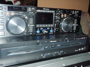 Free Pioneer mep-7000 DJ CD player for Sale in San Diego, CA