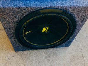 700 Watt Amp / 15 inch Kicker Sub for Sale in Sanger, CA