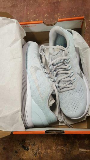 Nike Woman Lunarglide 9 for Sale in Detroit, MI