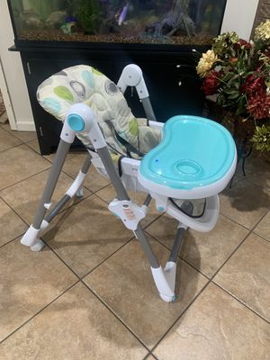 Babytrend high chair for Sale in Alexandria, LA