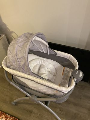 The Graco portable bedside and bathtub for Sale in Nashville, TN