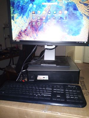 Dell computer desktop with webcam and headphones for Sale in Huntersville, NC