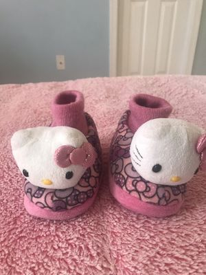 Hello kitty slippers size 7/8 for Sale in Gainesville, VA