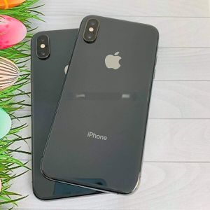 iPhone XS Max (64 GB) Desbloqueado Con Garantià for Sale in Somerville, MA