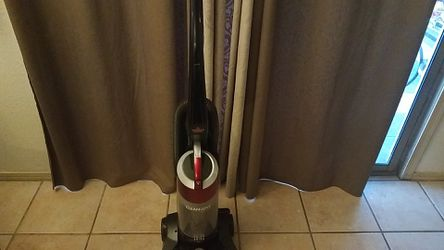 Clean and working good Vacuum for Sale in Tucson,  AZ