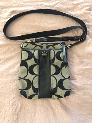 Authentic COACH crossbody bag. for Sale in Bloomington, IL