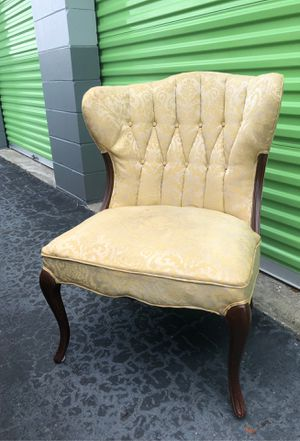 Vintage Antique Upholstered Chair for Sale in St. Petersburg, FL
