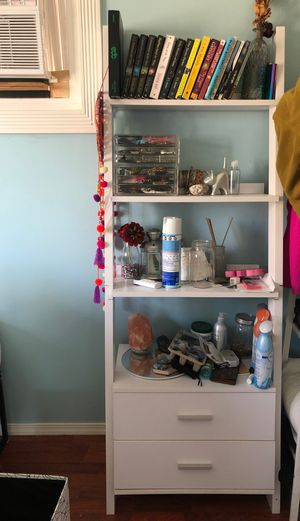 White bookcase/dresser for Sale in West Covina, CA
