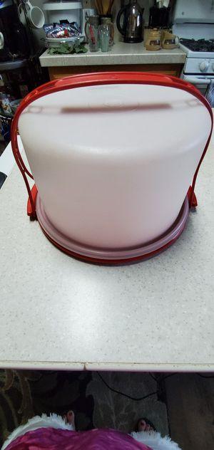 Tupperware Cupcake / Cake Carrier for Sale in Redding, CA
