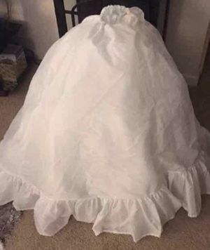 Ball gown skirt/Crinoline for Sale in Seminole, FL