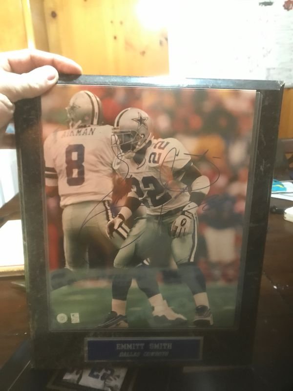 Dallas cowboy lot with two signed items