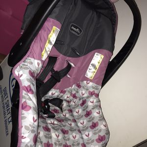 Infant Carseat for Sale in Eastpointe, MI