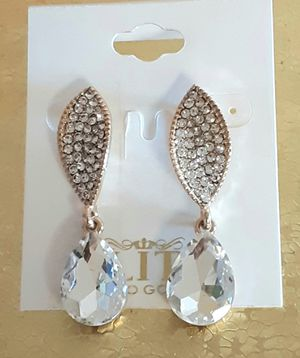 Shipping or PickUp: New goldtone faux diamond acrylic and crystal dangling post earrings for Sale in Fullerton, CA