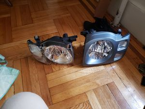 02 Nissan xterra headlight for Sale in Brooklyn, NY
