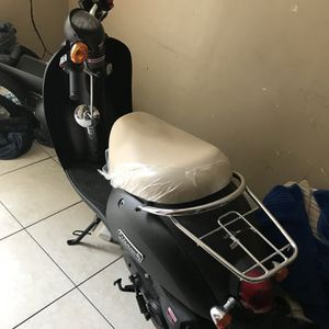 Moped Scooter for Sale in Fort Lauderdale, FL