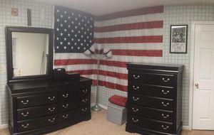 Vaughan Bassett bedroom set (Merlot) for Sale in Blacksburg, VA