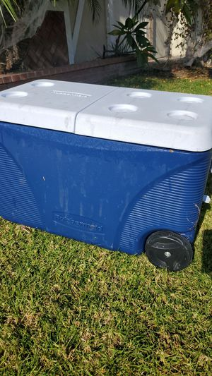 Rubbermaid 5 day 75 quart cooler for Sale in Seal Beach, CA