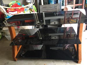 Glass tv stand for Sale in West Palm Beach, FL