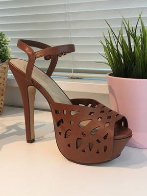 Women Leather Shoes High Heel Sandal Size 6.5 for Sale in Annandale, VA